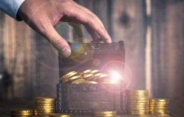 宝箱と金貨